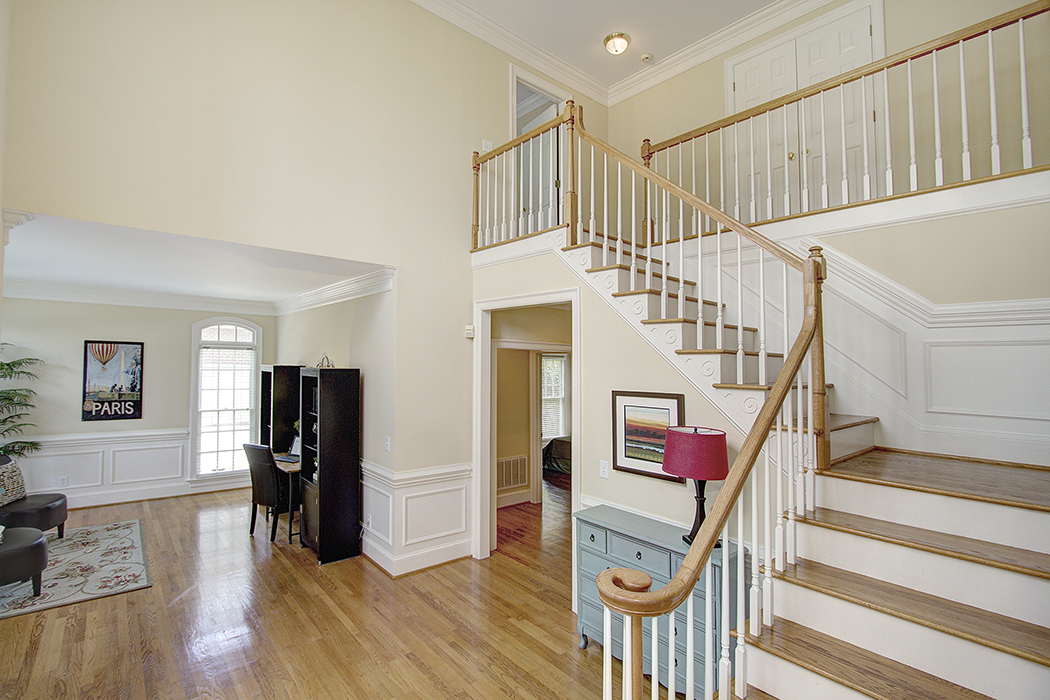 1723 Dove Cottage DR - stunning entry